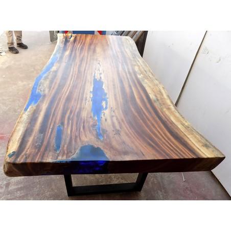 Tavolo da pranzo stile industrial in legno suar e resina ...